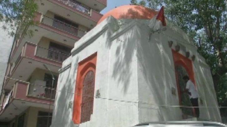Tughlaq Era Tomb In Delhi Is Now A Temple