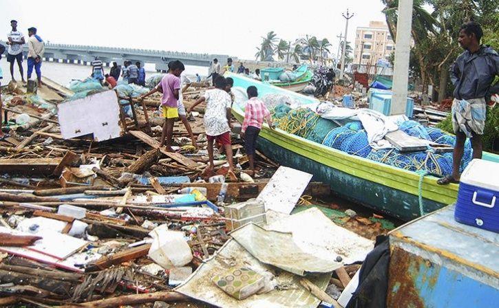 13 killed in cyclone gaja