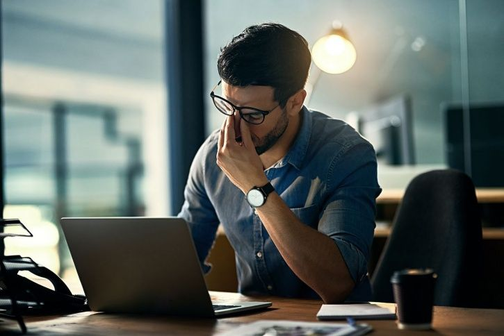 7 Subtle Signs Of Stress You Need To Be Wary Of