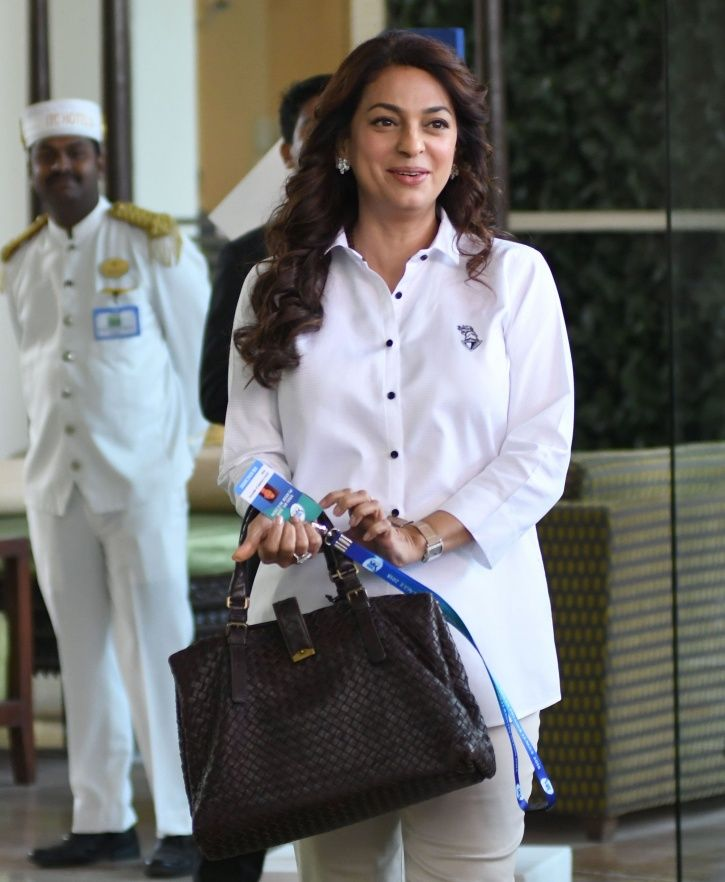 A picture of Juhi Chawla.