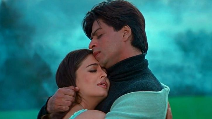 A picture of shah rukh khan and aishwarya rai bachchan from Mohabattein.