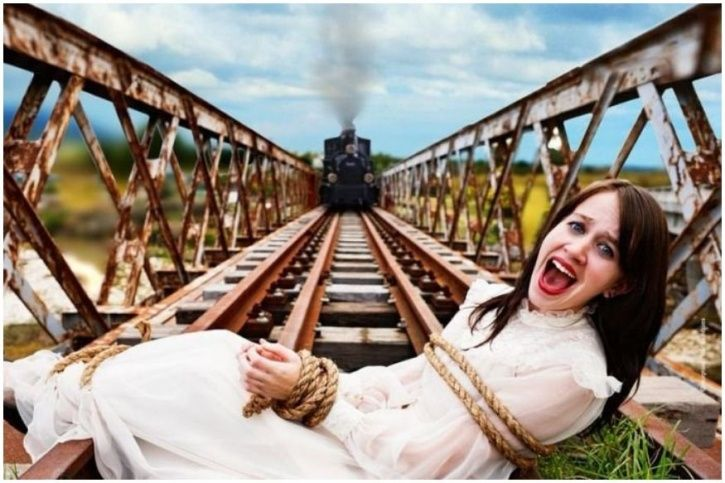 ad shows woman tied on TGV track