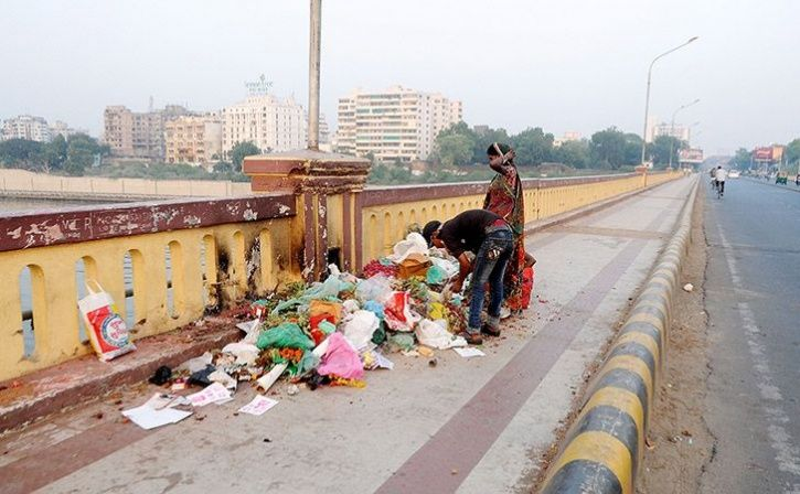 bengaluru will penalise people for littering garbage on roads