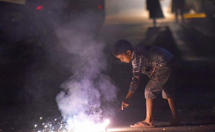 Delhi Gets E Crackers This Diwali