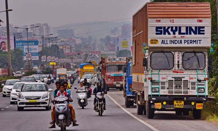Gurugram, plastic waste, potholes, bitumen, construction, municipal corporation, Nitin Gadkari