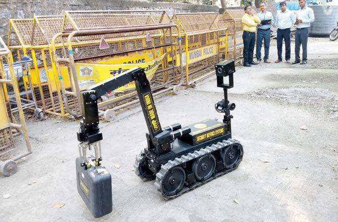 Hi tech robot, made in India, bomb explosions, 26/11 attacks, terror, Mumbai police