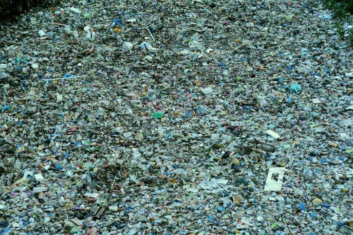 Kolkata, plastic use, road repairs, HIDCO, bitumen, pollution, IIT KGP, experiment