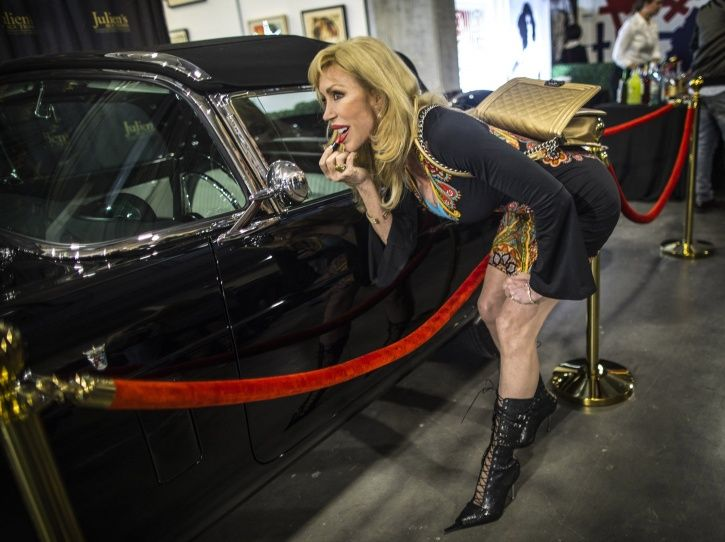 Marilyn Monroe, Golden Globe award, California auction, thunderbird