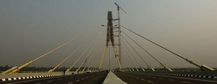 signature bridge delhi