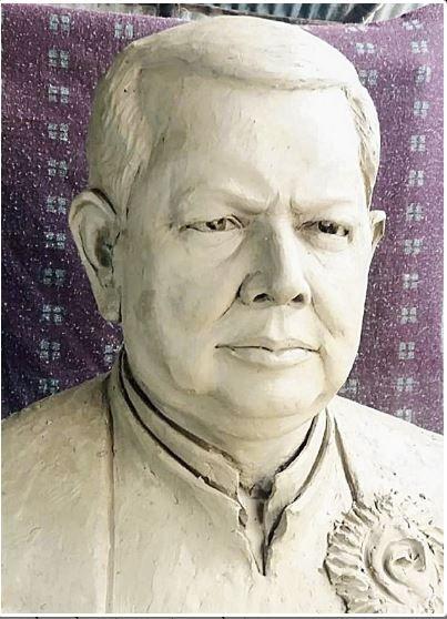 Trinamul Councillor, Ashim Adhikary, West Bengal, Raiganj,Priya Ranjan Das, statue