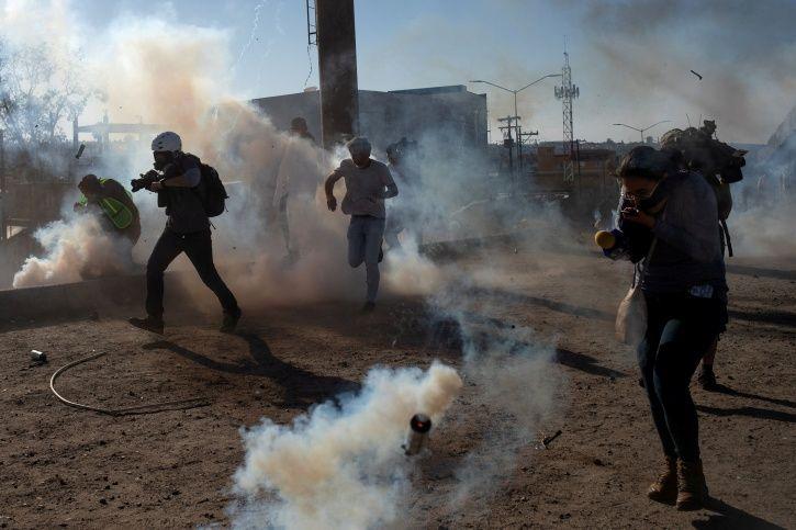 United states, Mexico, immigrants, border-crossing, Donaldd Trump, tear gas shells