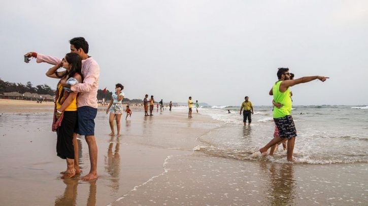 With Increasing Accidental Deaths, Goa Govt Identifies 24 'No Selfie' Zones Across Beaches