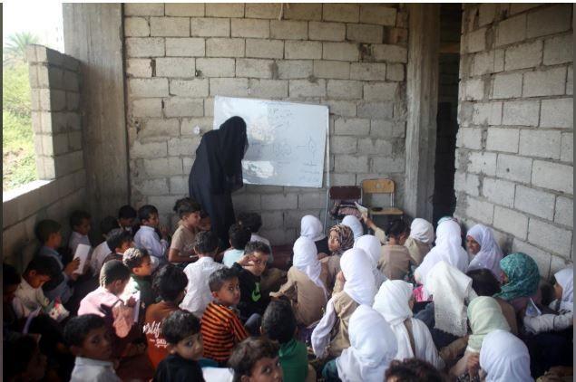 Yemen, Adel-AL-Shorbagy, school students, war, home, community initiative