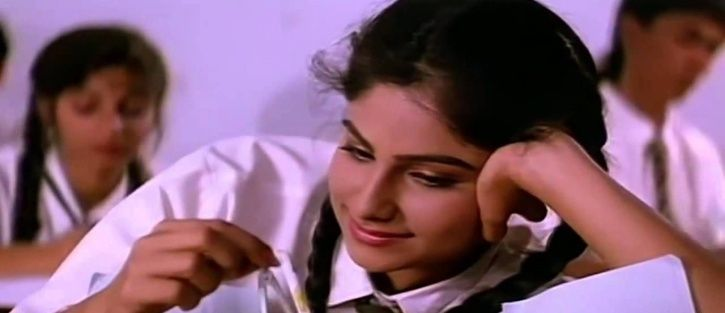 26 Years After Jo Jeeta Wohi Sikandar's Release, Ayesha Jhulka's Innocent Smile Still Makes Our Hear