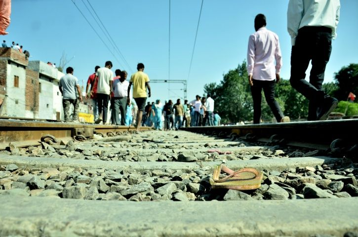 Amritsar train accident, people, train, Navjot Kaur Sidhu, Jalandhar express, Joda Phatak, warning