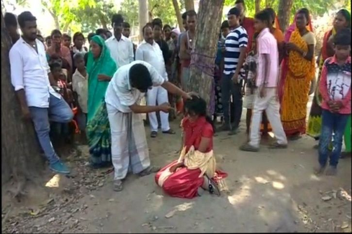 Bihar Girl Tied To Tree, Thrashed For Eloping With Man Of Different Caste; Father Supports Punishmen