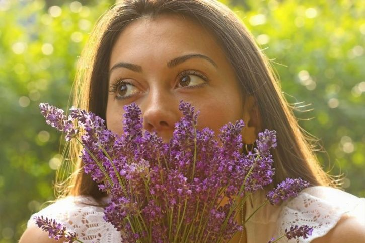 Can't Help But Be Anxious? The Smell Of Lavender Can Help You Relax And Treat It