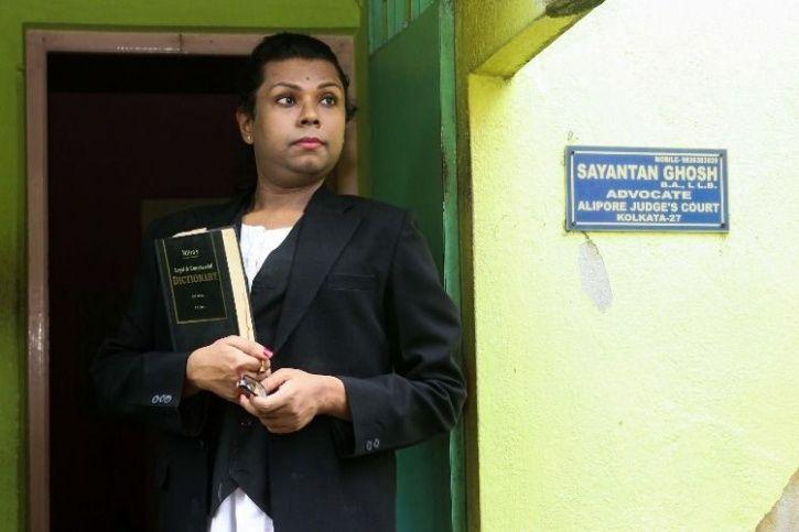chakshu daan, Kolkata trans lawyer, painting durga