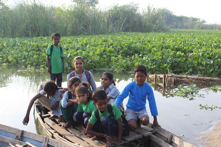 Children, Yamuna river, boat ride, Shani mandir, Chilla village, gyan shakti vidyalaya, students, sl