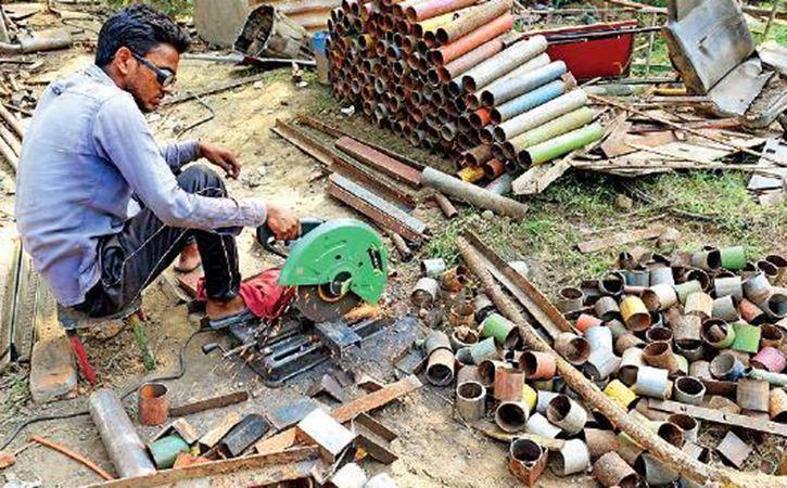 delhi junkies turn scrap into 7 wonders of the world