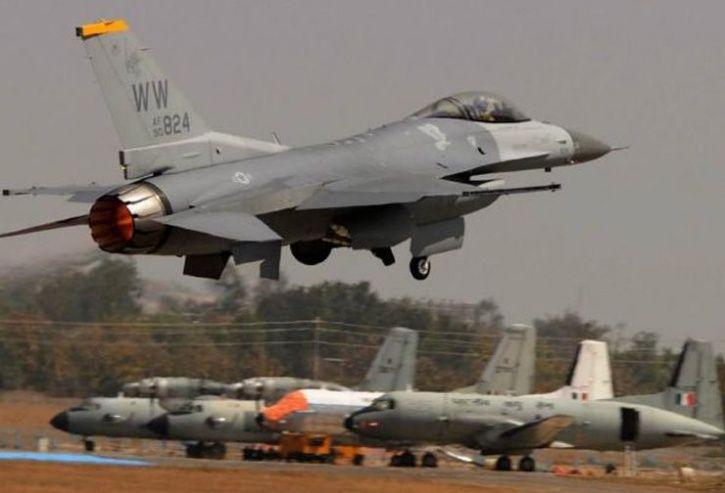 f 16 fighter jet