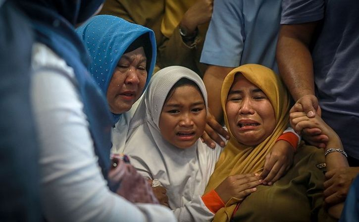 Indonesia Says Lion Air Plane Crashes Into Java Sea With 189 Aboard