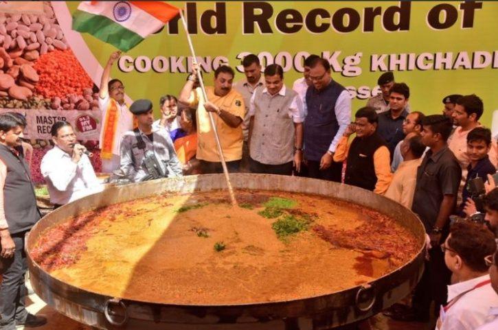Khichdi, world record for largest khichdi, 3000 kg khichdi