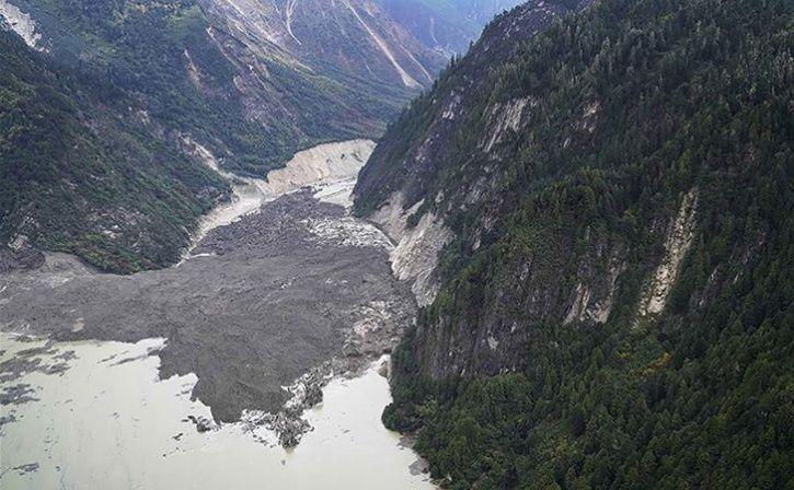 landslide in china creates artificial lake