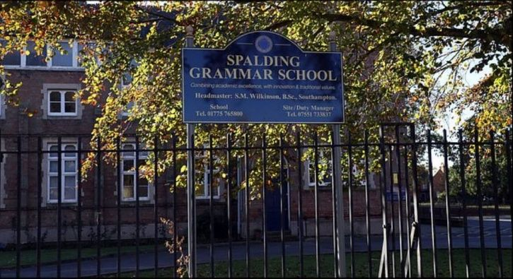 Lincolnshire, England, school bags, spalding grammar school, microwave, ban, books