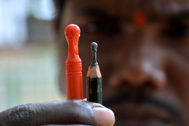 Miniature Artist From Odisha Has Created A Statue Of Unity That Fits Inside A Bottle