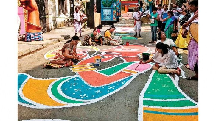 Street Graffiti In Kolkata Highlights The Life & Struggle Of Sex Workers Ahead Of Durga Puja