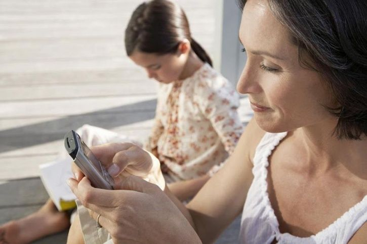 The Habit Of Replying To Messages May Be Robbing A Lot More From Your Life Than You Think