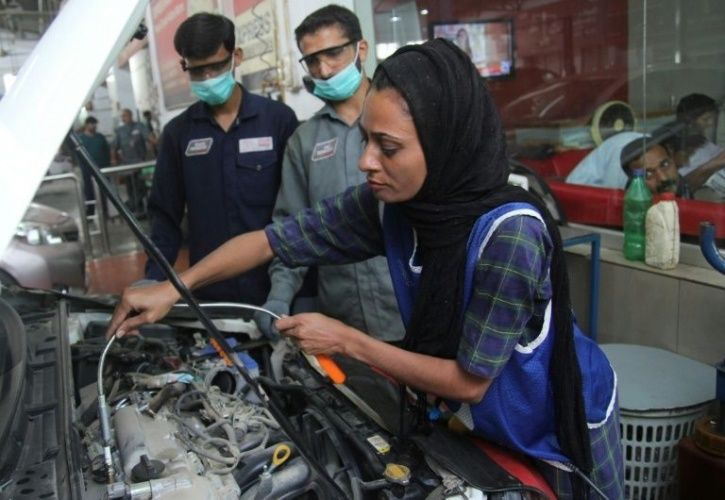 This 24-Year-Old Female Mechanic In Pakistan Is Shattering Patriarchy One Car At A Time