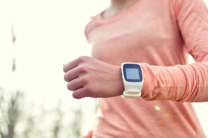 9 Reasons Why You Should Wear Fitness Trackers That Are Not Related To Counting Steps