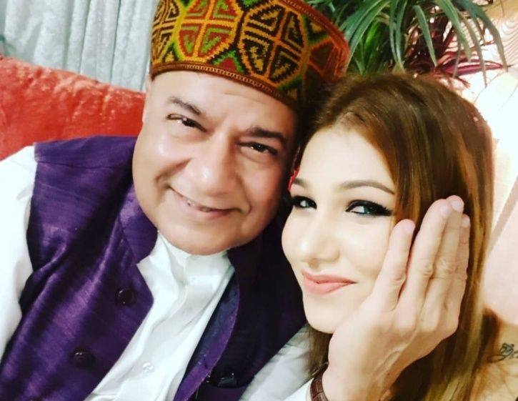 A picture of Bigg Boss 12 contestant Anup Jalota and his girlfriends Jasleen Matharu.