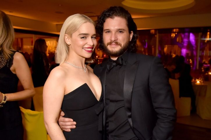A picture of Kit Harington and Emila Clarke.