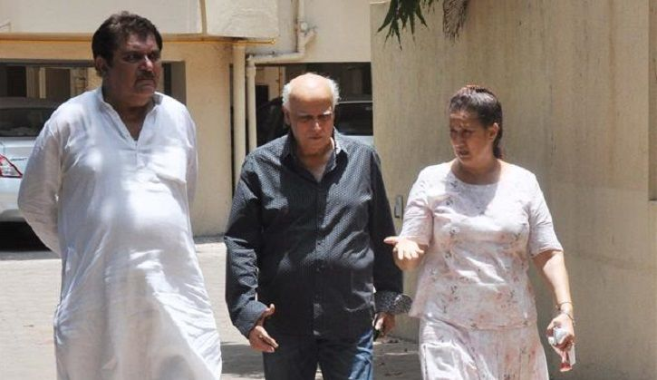 A picture of Mahesh Bhatt visiting Jiah Khan