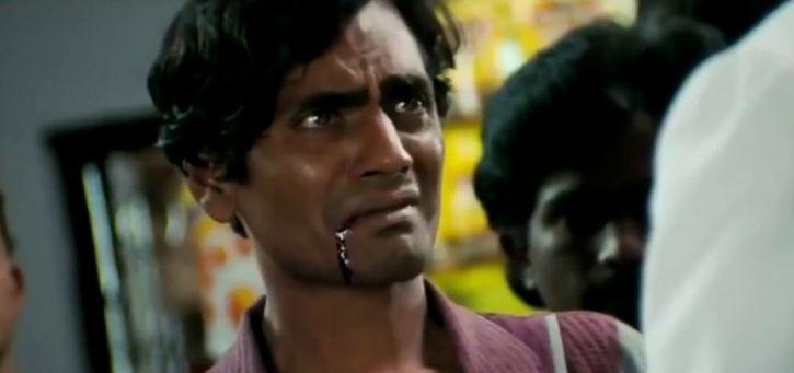 A picture of Nawazuddin Siddiqui as pickpocket in Rajkumar Hirani