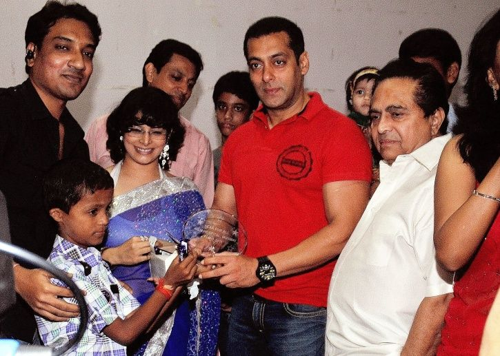 A picture of Salman Khan being human.