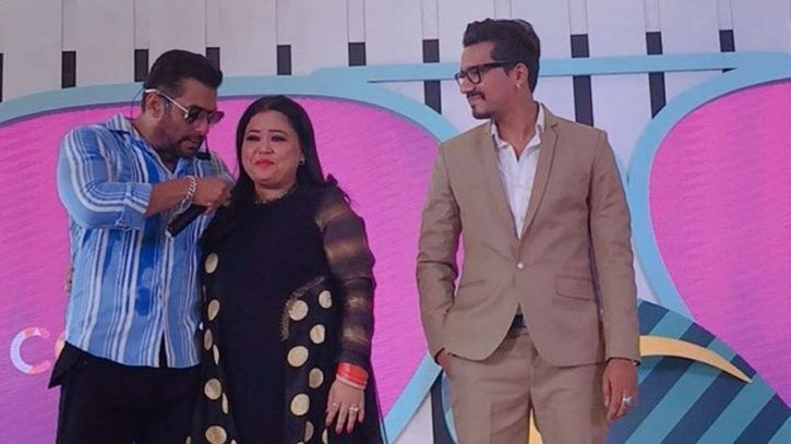 A picture of Salman Khan, Bharti Singh and Harsh Limbachiyaa from Bigg Boss 12 launch event in Goa.