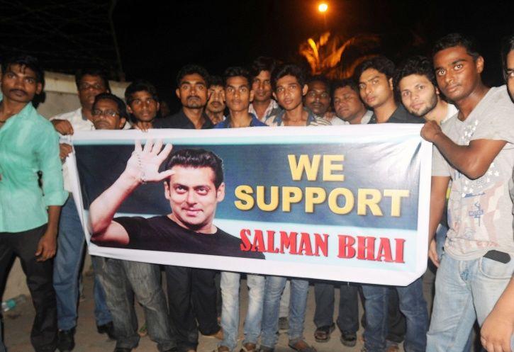 A picture of Salman Khan fans.