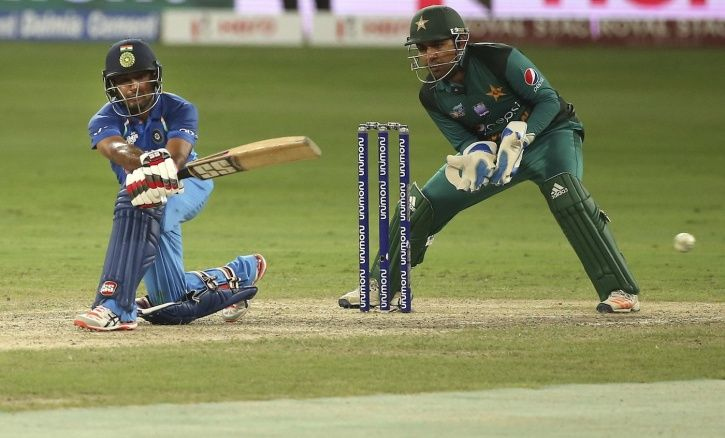 India easily chased down their target of 163