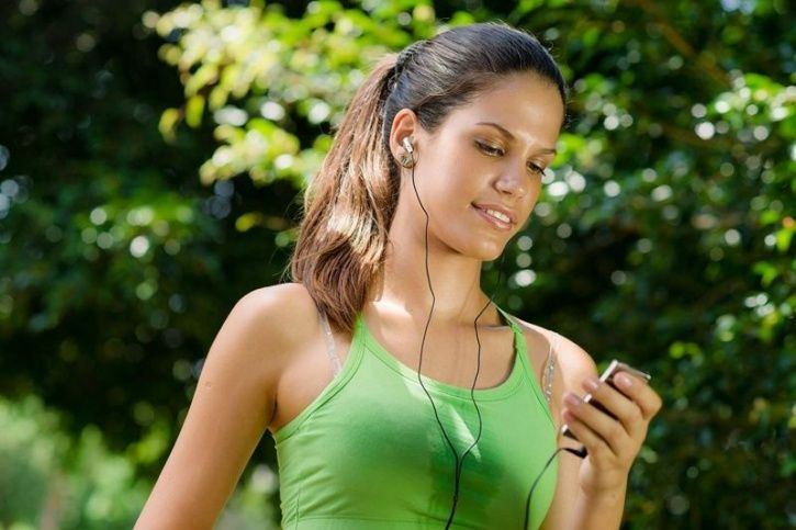 It's True, Listening To Music While Working Out Helps Avoid Fatigue
