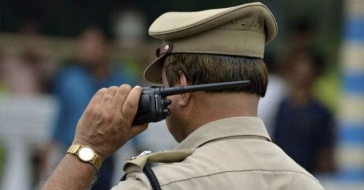 Jhansi Police Officer Throws Burning Cylinder In River, Saving Several Lives In Jhansi