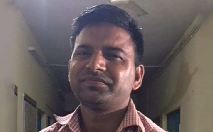 Man Offers Help To Enrol Under Modicare, Cheats 450