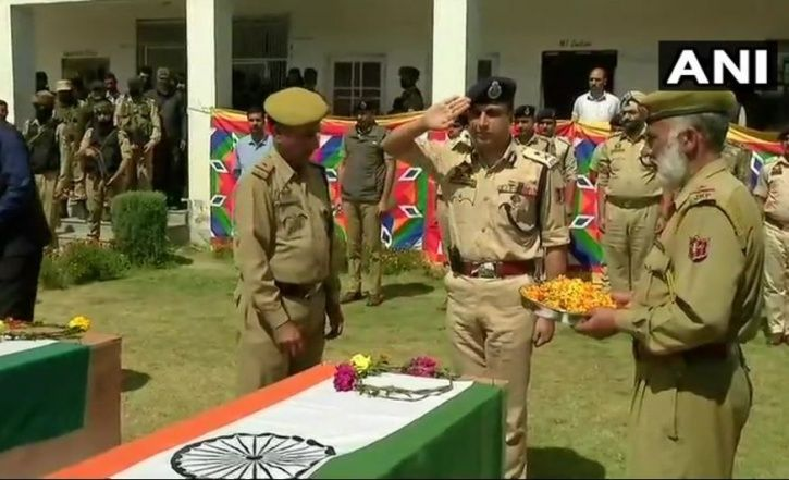 three soldiers, jammu and kashmir, gujarat