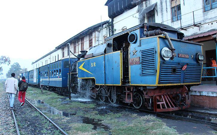 Uk Couple Charter Nilgiri Train At Rs 2.5 Lakh