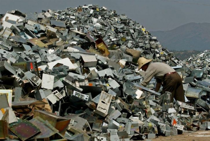 Up To 50 Percent Indians May Be Hoarding E-Waste, Are You a Hoarder?