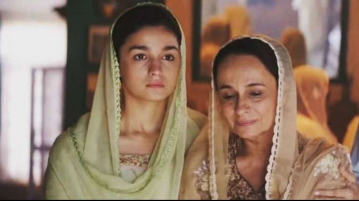 Alia Bhatt with mother Soni Razdan in Raazi.