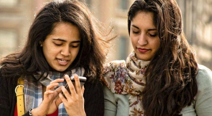 india smartphone users